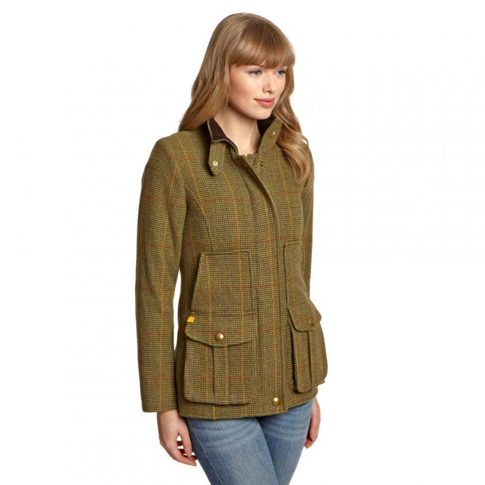 Whether you need a coat for shooting, walking, riding or a jacket for wearing into town, look no further than The Country Catalogue. Choose from quality country tweed jackets, raincoats in all lengths and styles, or classic wax and quilted jackets, all updated with flattering feminine fits.